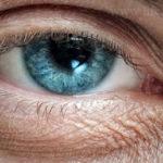 Augenbrennen häufigste Beschwerden Behandlung und Medikamente
